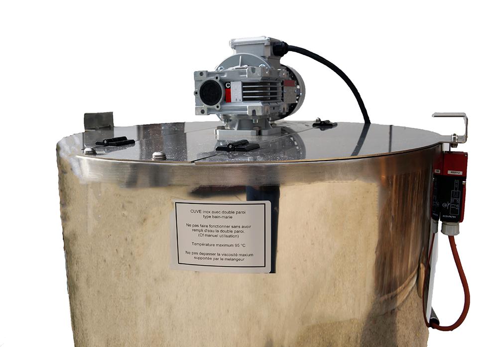 cuve-inox-chauffage-electrique-double-paroi-eau-melangeur-dessus